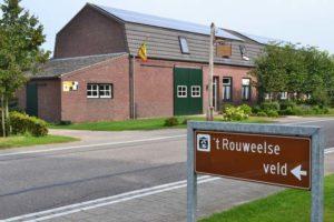 foto van huis en bord rouweelse veld